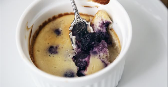 Crustless Blueberry Cheesecake